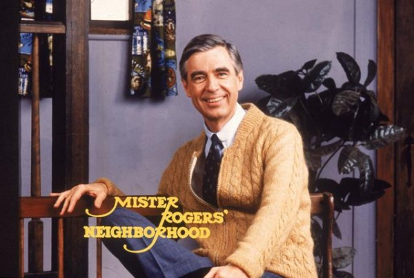 mister-rogers-biopic-a-beautiful-day-in-the-neighborhood-600x403