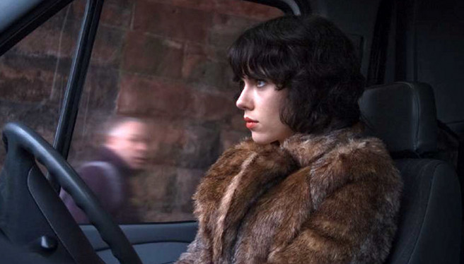 Scarlett-Johansson-Under-the-Skin-red